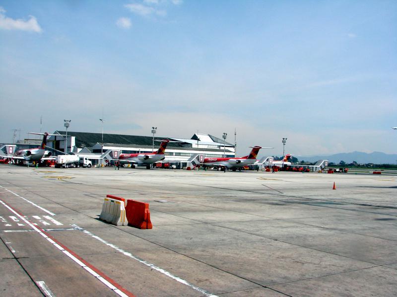 Aeroporto Comoro : Aeroporto de bogotá colômbia fotos rotas turísticas