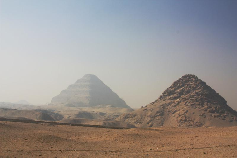 piramide de escadas farao zoser, le caire Égypte - photos routes