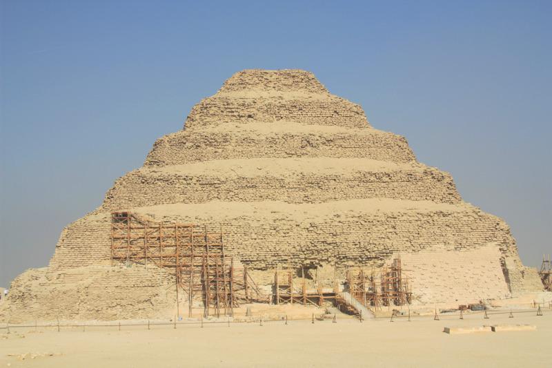 piramide de escadas do farao zoser, le caire Égypte - photos routes