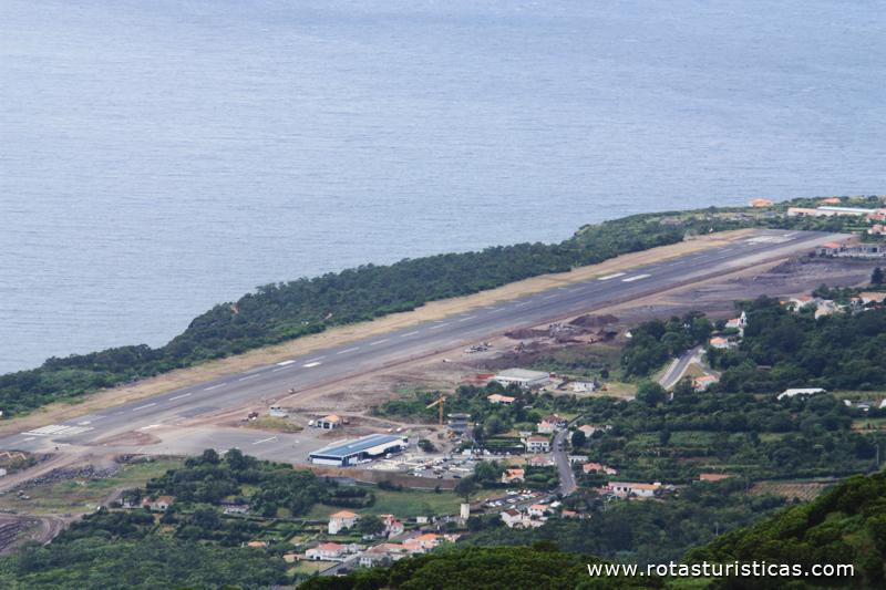 Aeroporto Comoro : Aeroporto da ilha de são jorge queimada portugal fotos