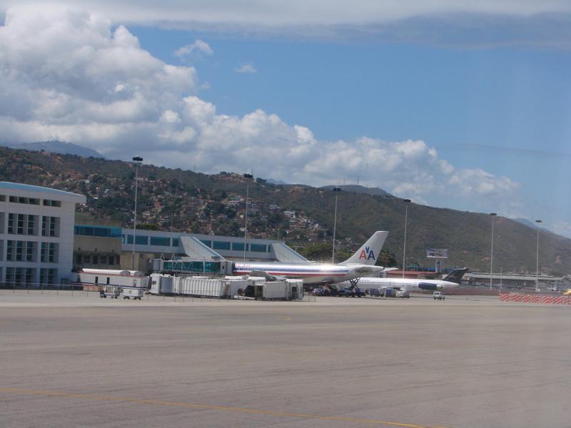 Aeroporto Comoro : Aeroporto de maiquetia caracas maiquetía venezuela