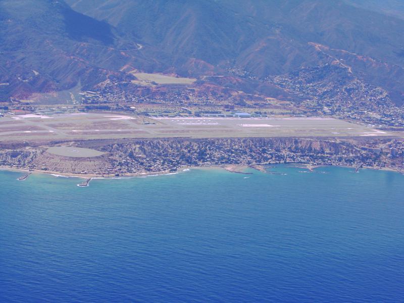 Aeroporto Comoro : Vista aérea do aeroporto de maiquetia caracas maiquetía