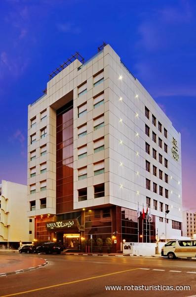 Lotus hotel dubai emirados rabes unidos rotas tur sticas for Dubai hotel ranking